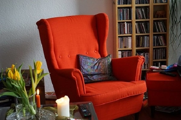 Living Room Decorating Ideas On A Budget - Tips and Ideas to give your living room an update the frugal way