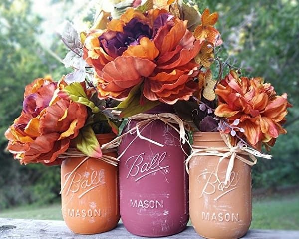 fall mason jars make a beautiful Thanksgiving table decoration