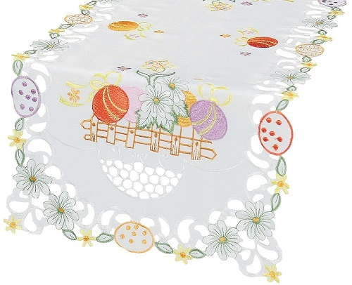 Country Egg Embroidered Easter Table Runner #EasterTableRunner