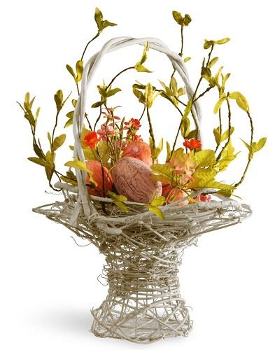 Easter Basket with Flower and Eggs #EasterDecor