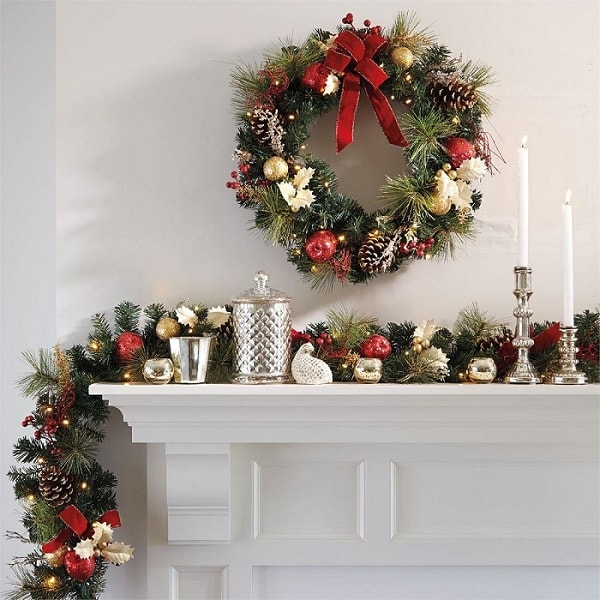 Decorating Over Door With Garland