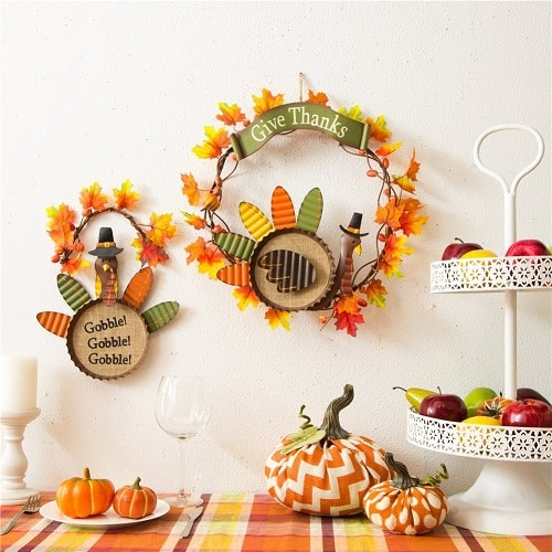 give thanks burlap turkey wreath - Love the beautiful Fall colors!