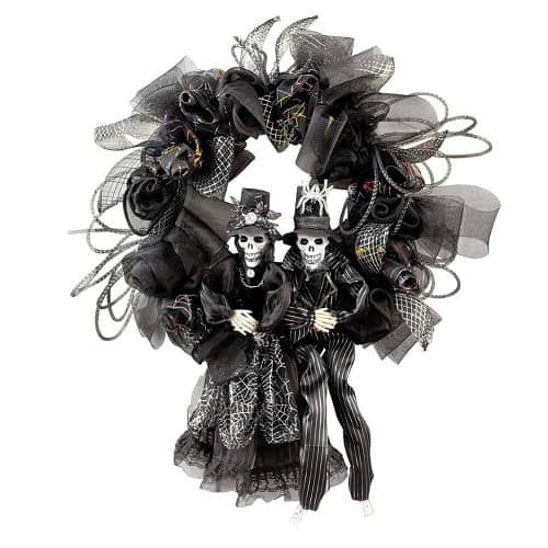 Scary Halloween Skeleton Couple Wreath