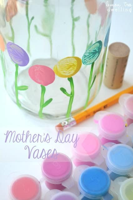 Mother's Day Vases - Mother's Day Crafts #momgifts #mothersday #craftsforkids