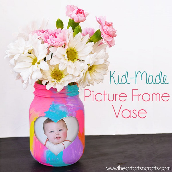 Picture Frame Mason Jar Mother's Day Craft #mothersday #craftsforkids