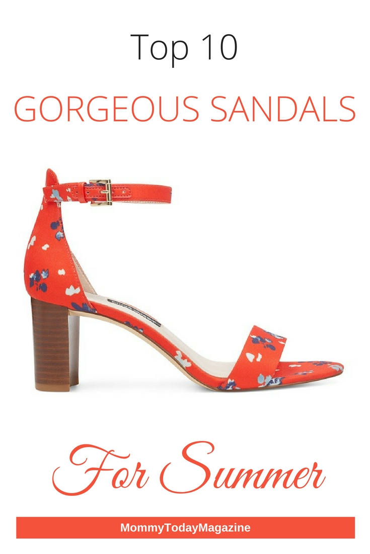 Looking for the best sandals to walk in this Summer? See our top picks for every style and budget here! #Summer #sandals