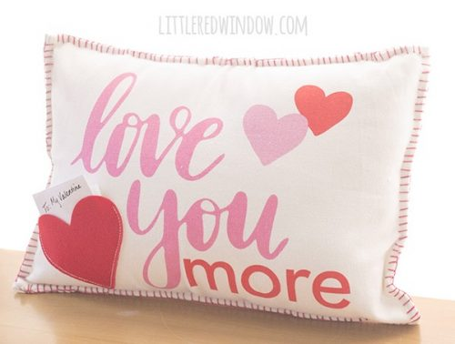 Easy Placemat Pillow - Valentine's Day Crafts