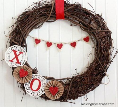 Sweet Valentine's Day Wreath - DIY Valentine's Day Wreaths