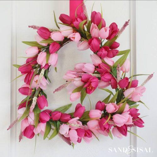 Tulip Heart Valentines Wreath - DIY Valentine's Day Ideas