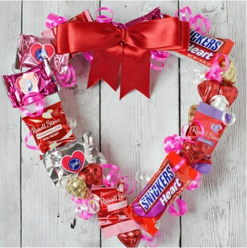 Valentine's Candy Wreath - Valentine's Day Crafts for Adults