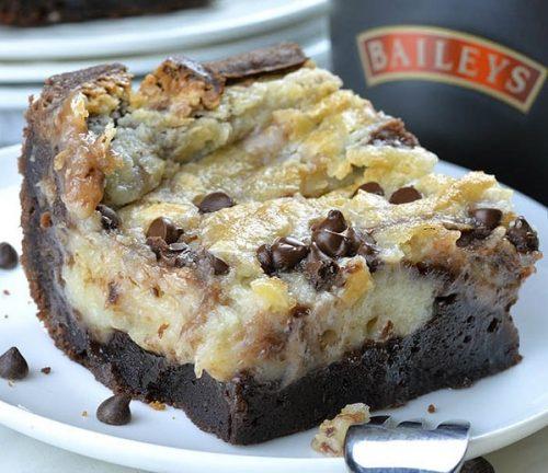 Baileys Earthquake Cake