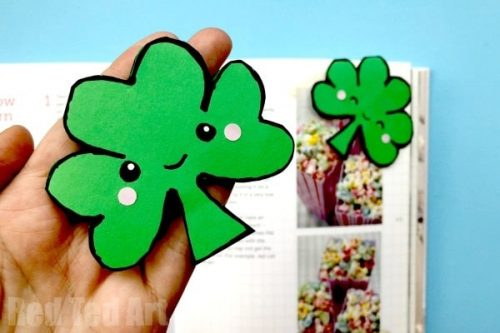 Easy Shamrock Corner Bookmark Design