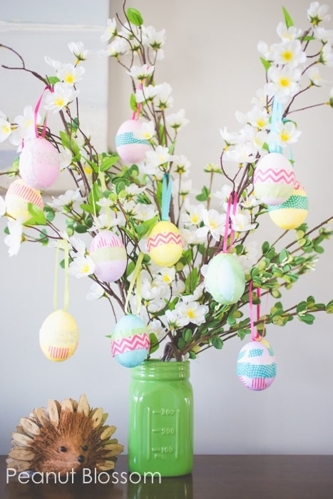 Easter egg tree - DIY Easter Centerpieces