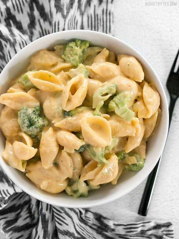 Broccoli Shells n' Cheese
