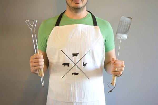 DIY Manly Man Apron - DIY Gift Idea for Father's Day