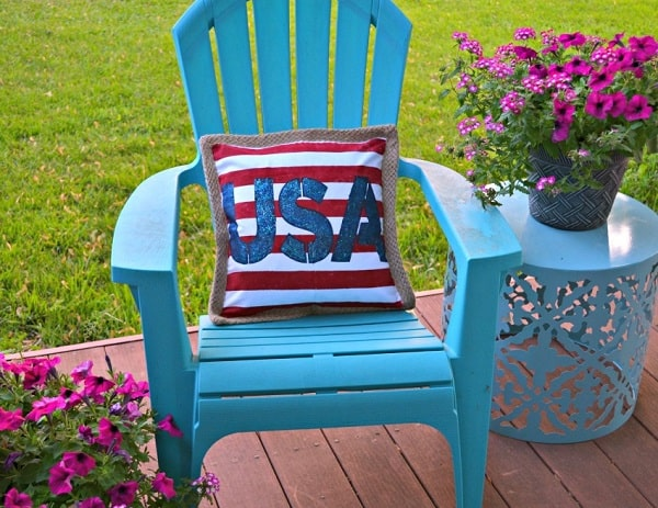 DIY Stenciled USA Pillow - DIY 4th of July Decorations